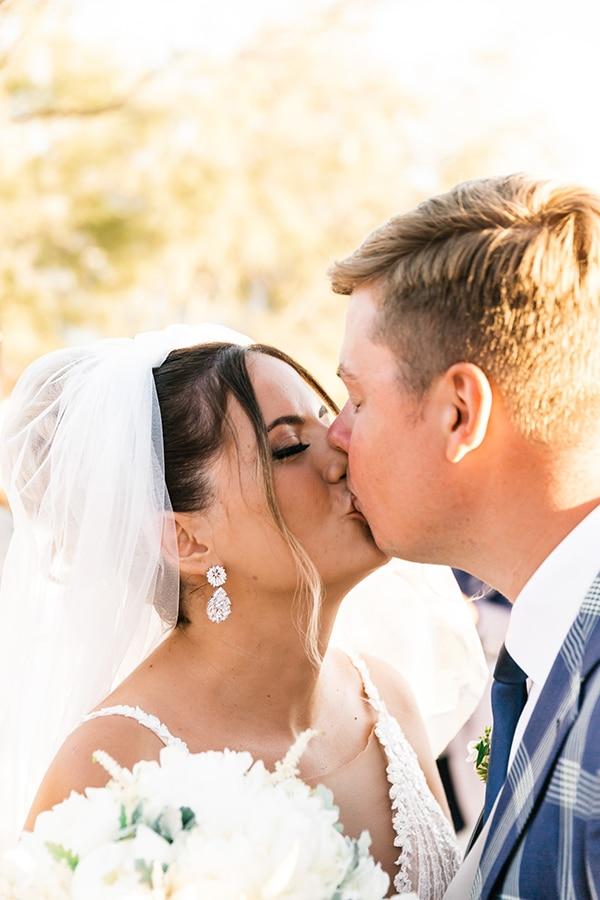 romantic-summer-wedding-paros-bugambilia-blue-details_15