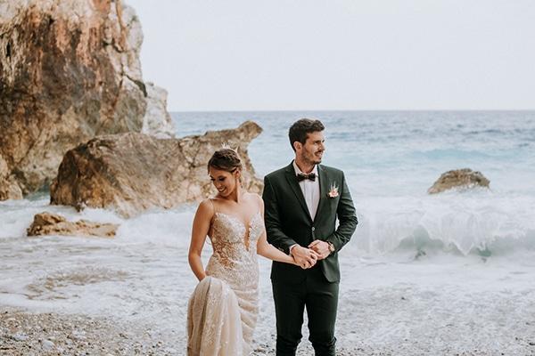Ρομαντικός καλοκαιρινός γάμος στο Βόλο σε peach αποχρώσεις │ Μαρίτα & Δημήτρης