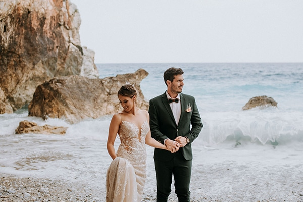romantic-summer-wedding-volos-peach-hues_01