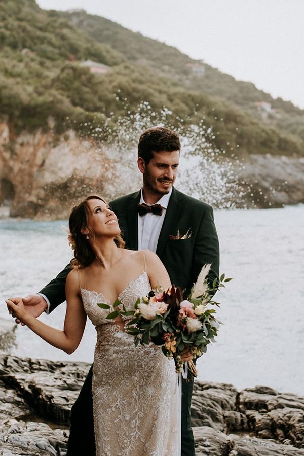 romantic-summer-wedding-volos-peach-hues_01x