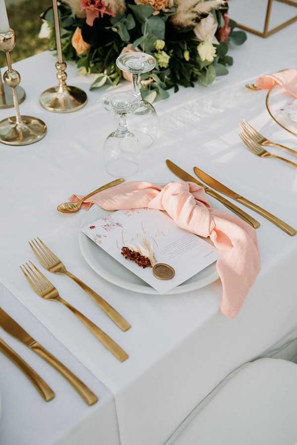 romantic-summer-wedding-volos-peach-hues_12