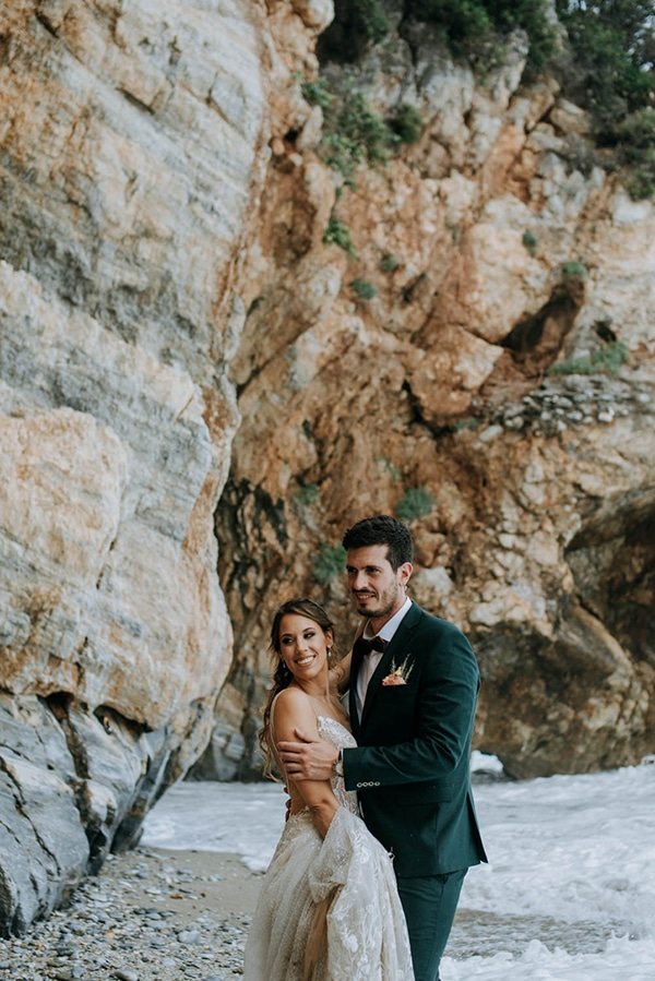 romantic-summer-wedding-volos-peach-hues_13