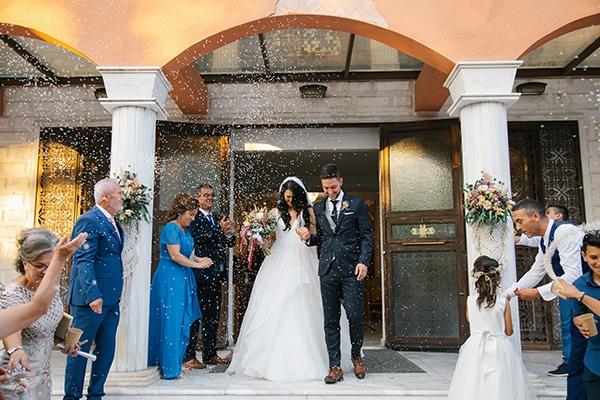 Ρουστίκ καλοκαιρινός γάμος στη Θεσσαλονίκη με πανέμορφο ανθοστολισμό │ Τζένη & Φώτης