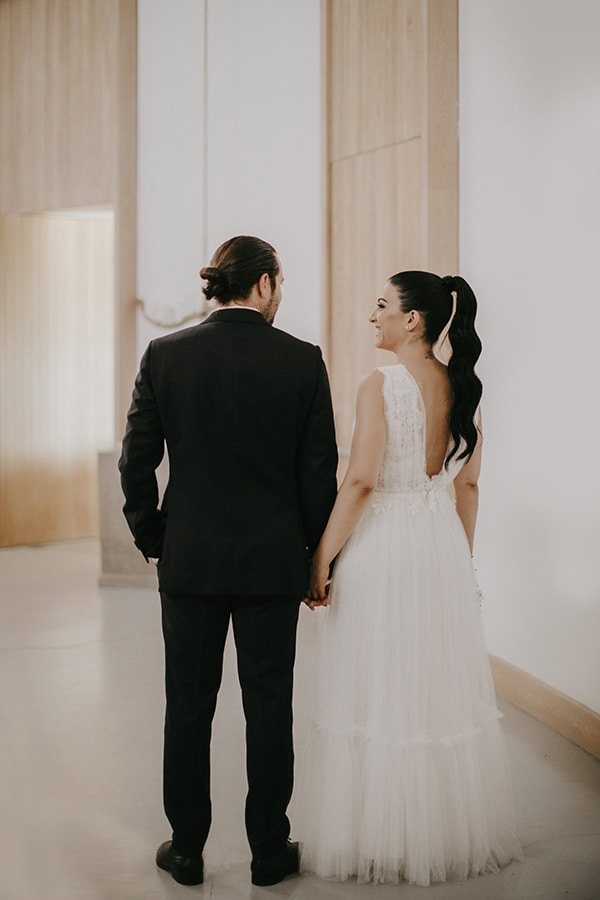stunning-summer-wedding-baby-breath-rustic-details_04