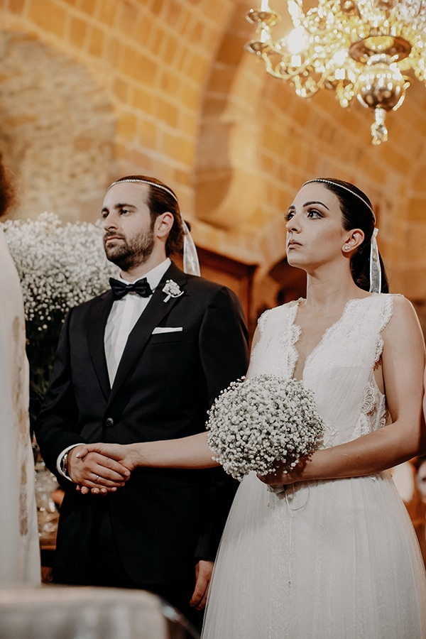stunning-summer-wedding-baby-breath-rustic-details_16