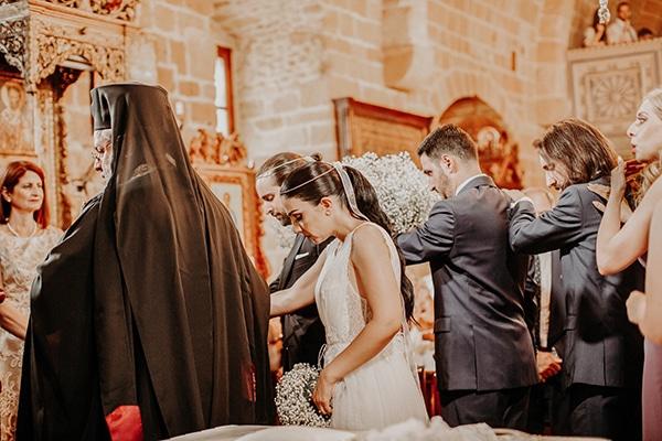 stunning-summer-wedding-baby-breath-rustic-details_17