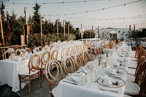 stunning-summer-wedding-baby-breath-rustic-details_18