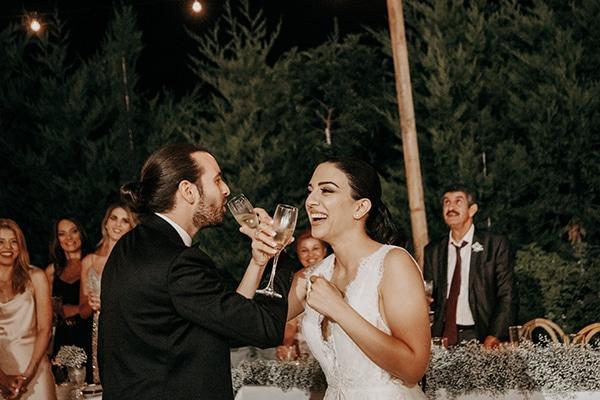 stunning-summer-wedding-baby-breath-rustic-details_25