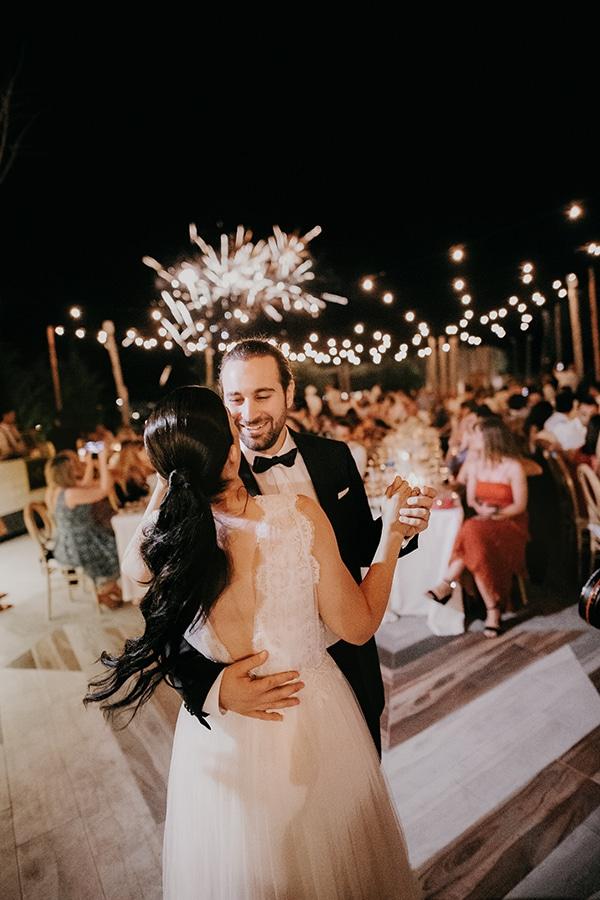 stunning-summer-wedding-baby-breath-rustic-details_26