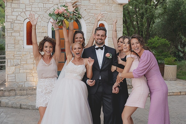 summer-wedding-athens-pastel-hues_25x