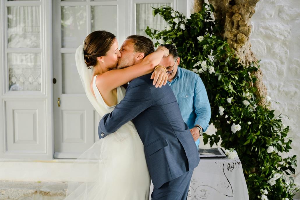 Καλοκαιρινός γάμος στην Ύδρα με τις πιο ρομαντικές λεπτομέρειες │ Helen & Κωνσταντίνος