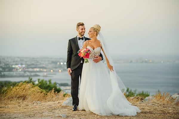 Καλοκαιρινός γάμος στη Ρόδο σε αποχρώσεις του κοραλί και του φούξια │ Ουρανία & Κλεόβουλος