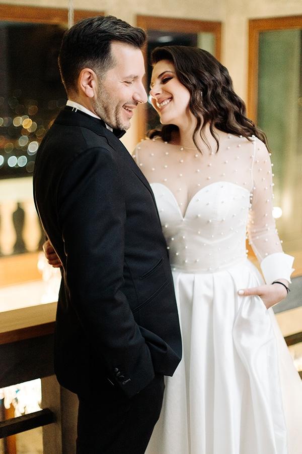 winter-wedding-athens-romantic-atmosphere-red-amaryllis_01x