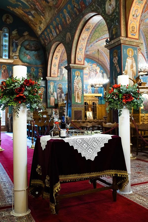 winter-wedding-athens-romantic-atmosphere-red-amaryllis_05x