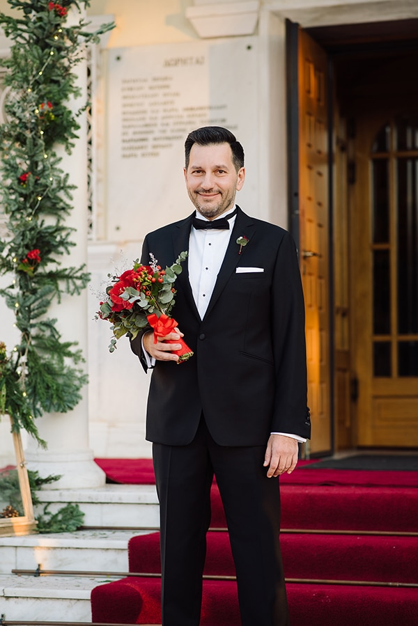 winter-wedding-athens-romantic-atmosphere-red-amaryllis_06x