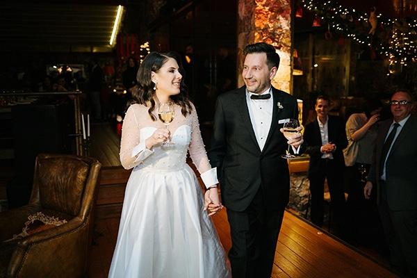 winter-wedding-athens-romantic-atmosphere-red-amaryllis_11