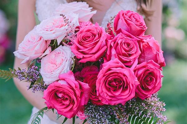 Νυφικές Ανθοδέσμες με Τριαντάφυλλα