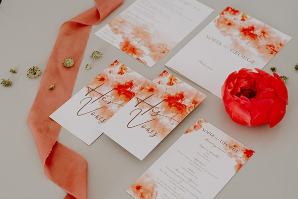 dreamy-elopement-mykonos-beautiful-coral-peonies_05