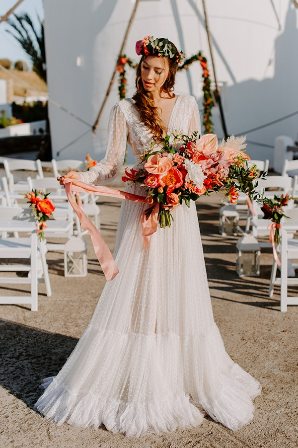 dreamy-elopement-mykonos-beautiful-coral-peonies_13