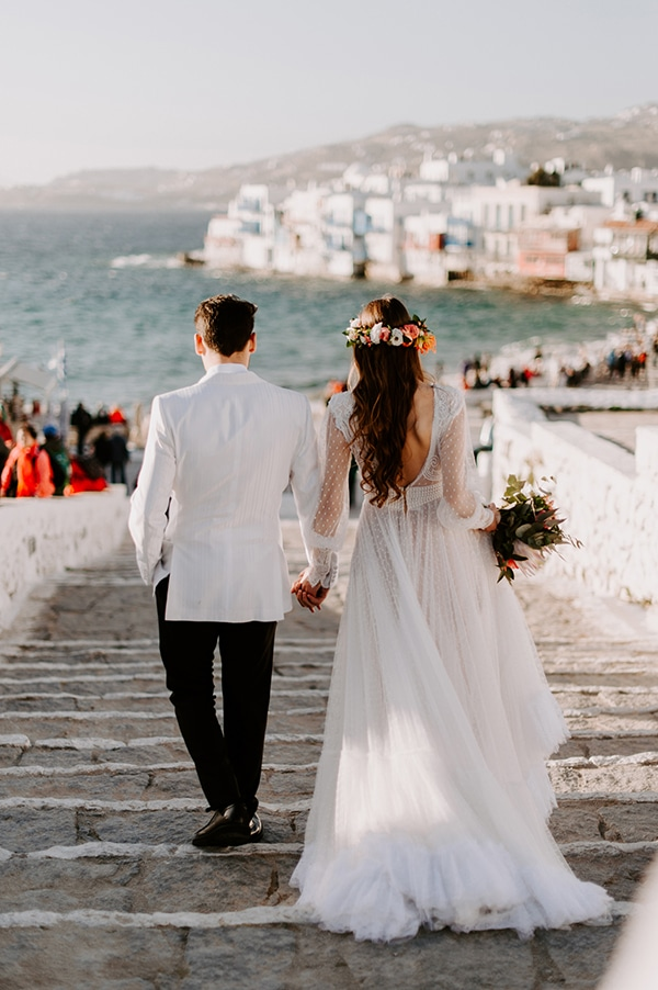 dreamy-elopement-mykonos-beautiful-coral-peonies_14x