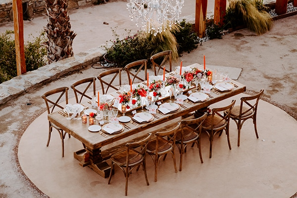dreamy-elopement-mykonos-beautiful-coral-peonies_22