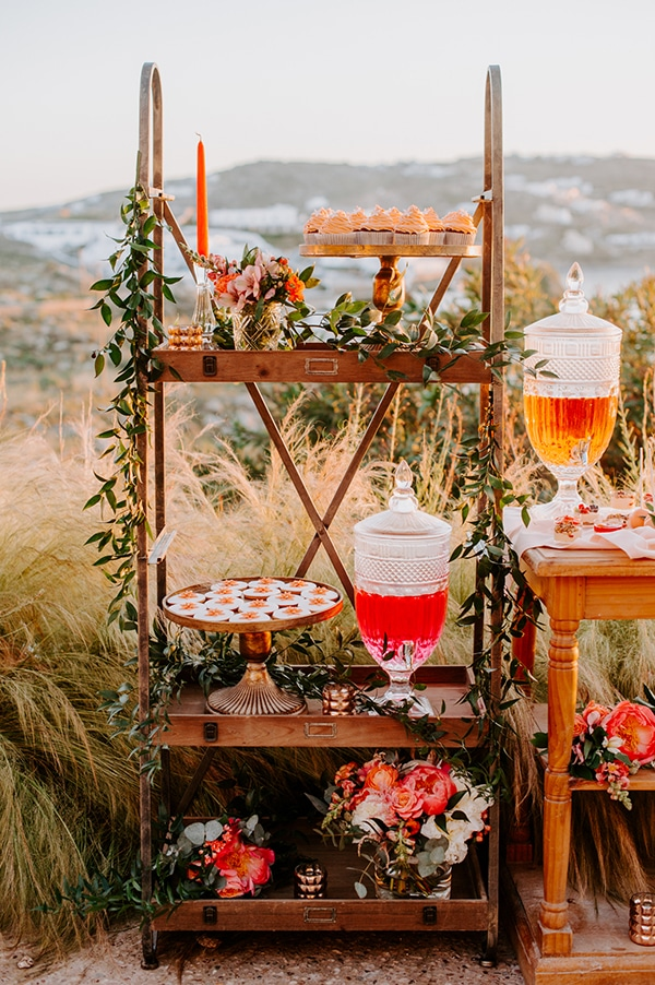 dreamy-elopement-mykonos-beautiful-coral-peonies_23