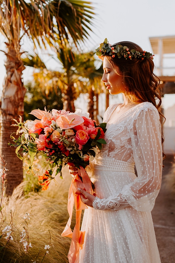 dreamy-elopement-mykonos-beautiful-coral-peonies_30