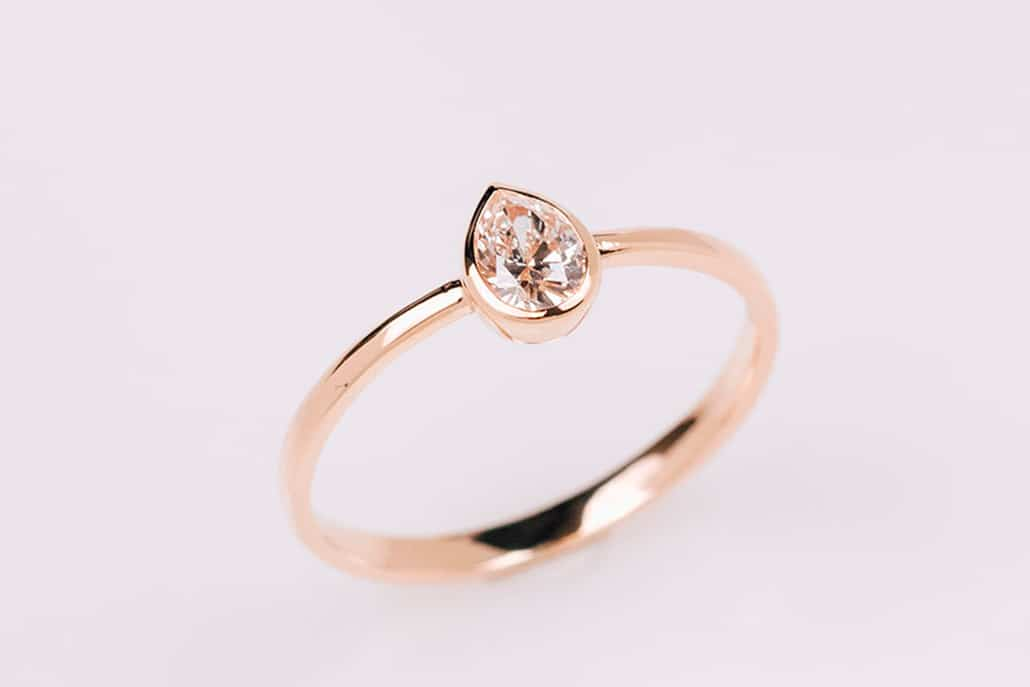Elegant engagement ring από Πριγκιπώ