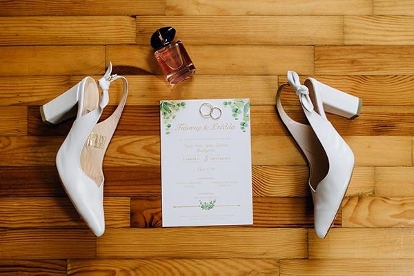 elegant-fall-wewdding-kozani-eucalyptus--white-flowers-gold-details_06