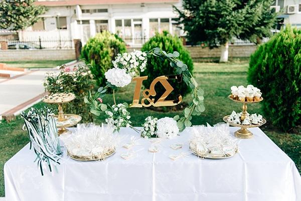 elegant-fall-wewdding-kozani-eucalyptus--white-flowers-gold-details_16