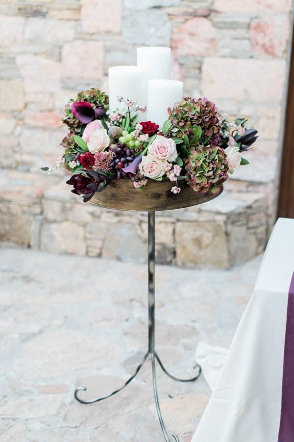 Πρωτότυπος στολισμός λαμπάδας με λουλούδια και φρούτα