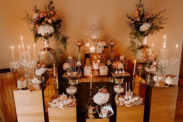 Elegant dessert table για δεξίωση γάμου