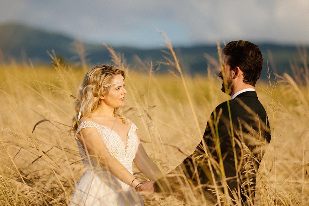 Φθινοπωρινός γάμος σε οινοποιείο με ζωηρά χρώματα και ρουστίκ λεπτομέρειες │ Κατερίνα & Θωμάς