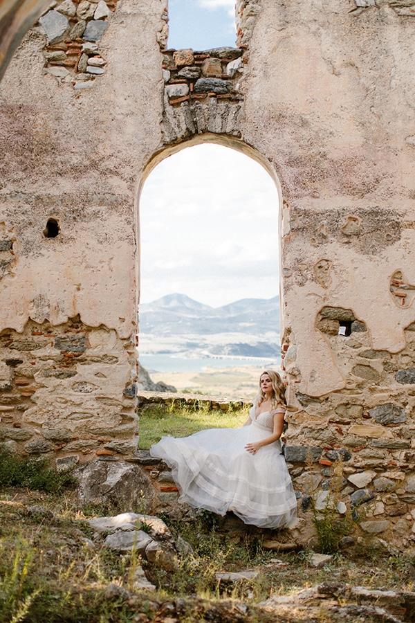 outdoor-fall-wedding-vivid-colors-rustic-details_02