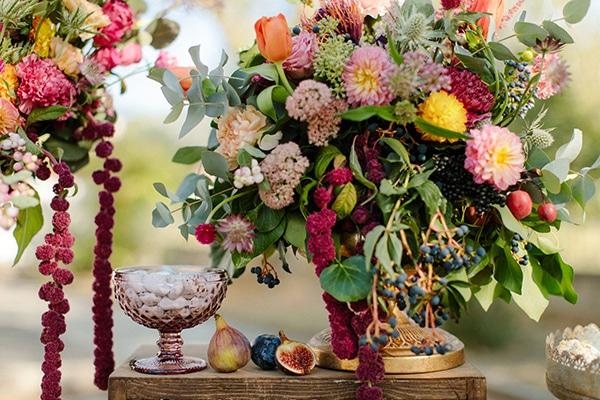 outdoor-fall-wedding-vivid-colors-rustic-details_04