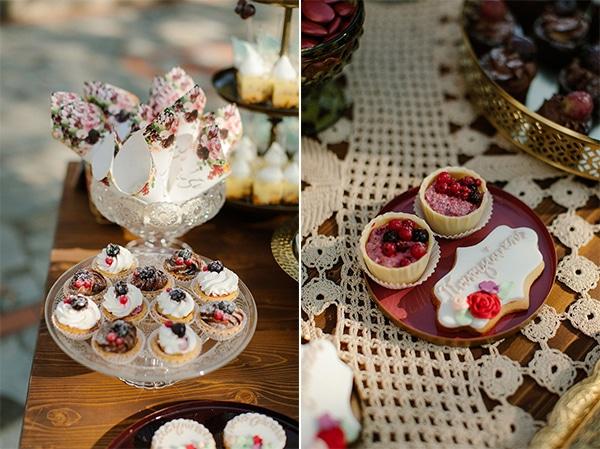 outdoor-fall-wedding-vivid-colors-rustic-details_08A
