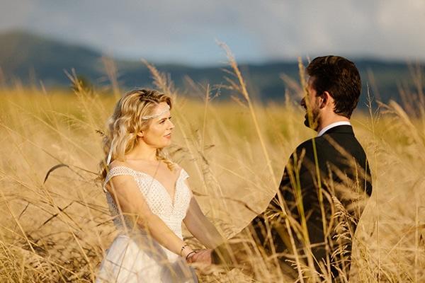 outdoor-fall-wedding-vivid-colors-rustic-details_50