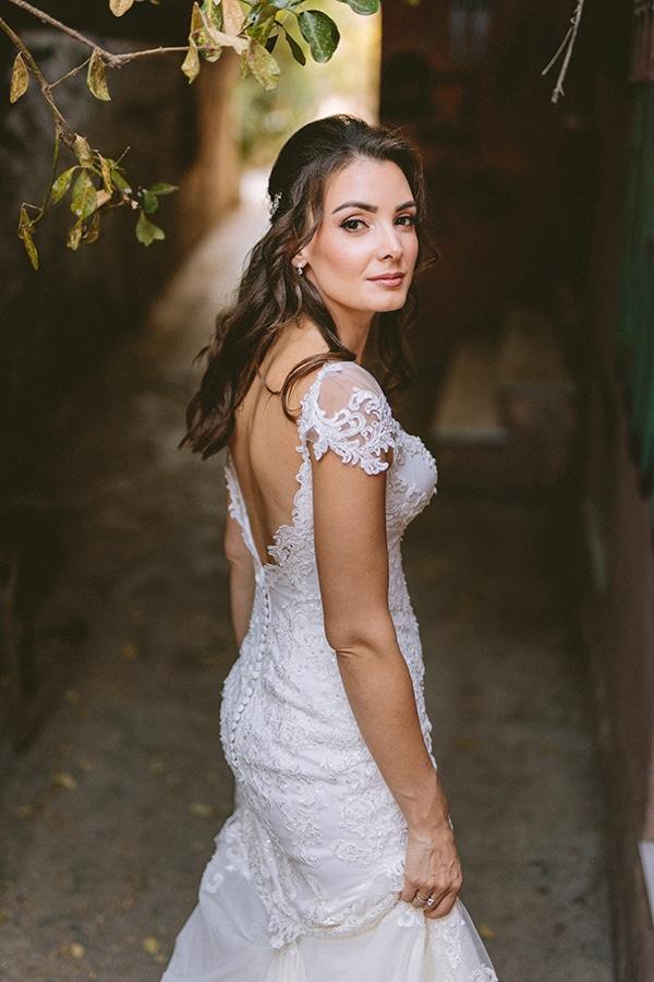 romantic-fall-wedding-athens-white-coral-hues_04x