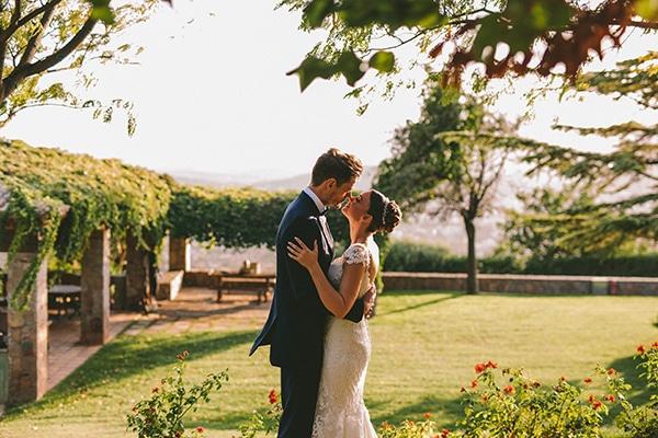 romantic-fall-wedding-athens-white-coral-hues_52