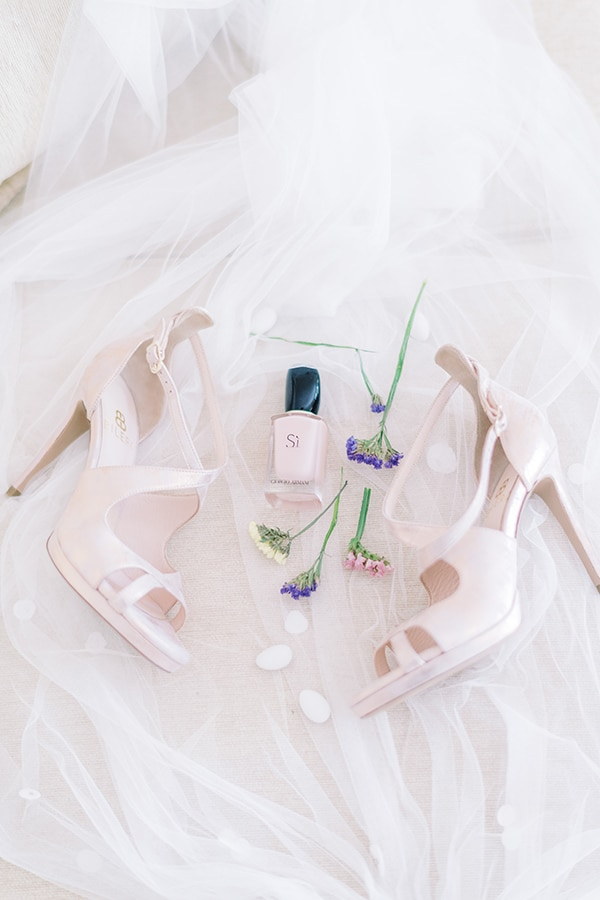 romantic-summer-wedding-athens-pastel-hues_03x