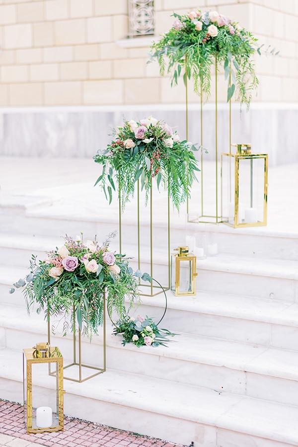 Elegant- ρομαντικός στολισμός εισόδου εκκλησίας