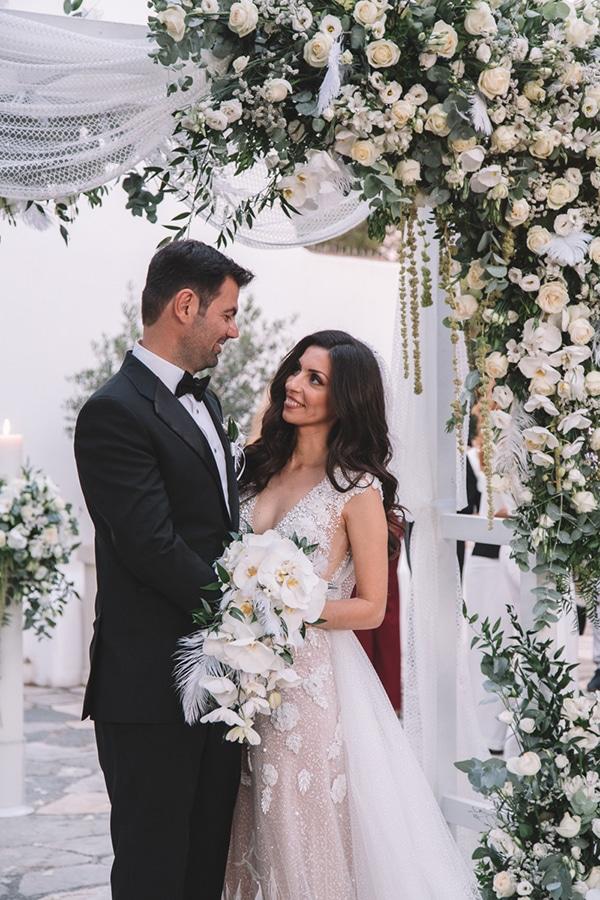 romantic-suymmer-wedding-athens-beautiful-floral-design_03