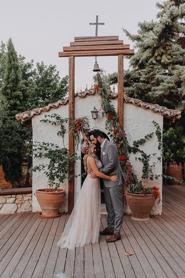 stunning-summer-wedding-athens-vivid-coral-hues_02