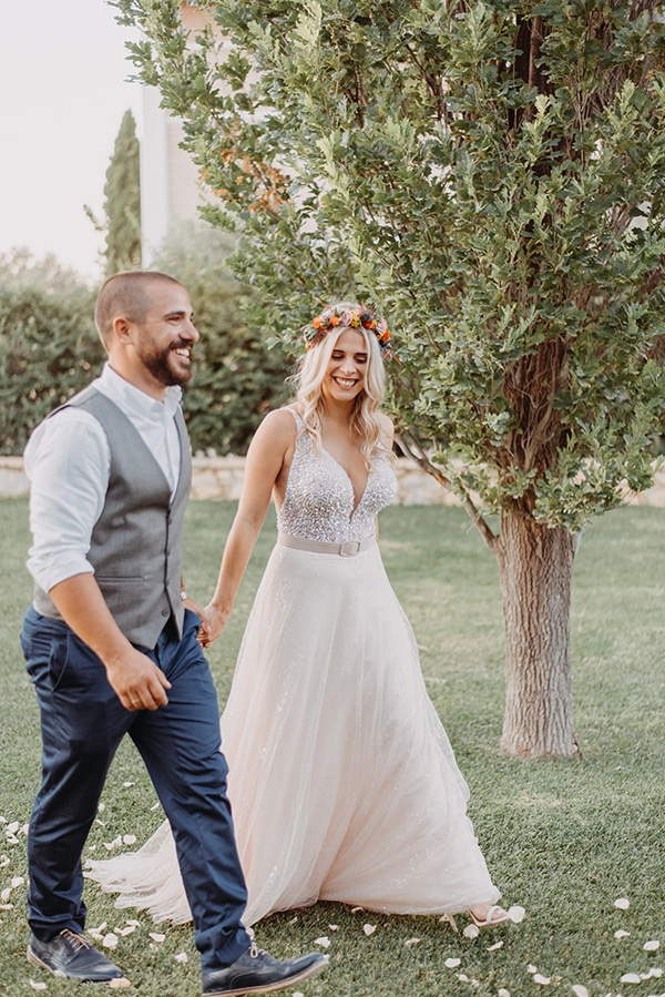stunning-summer-wedding-athens-vivid-coral-hues_14