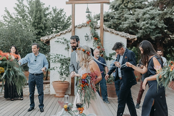 stunning-summer-wedding-athens-vivid-coral-hues_23