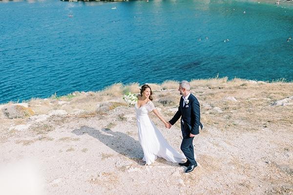 Καλοκαιρινός micro wedding στην Αθήνα σε λευκές αποχρώσεις │ Έλλη & Γιάννης