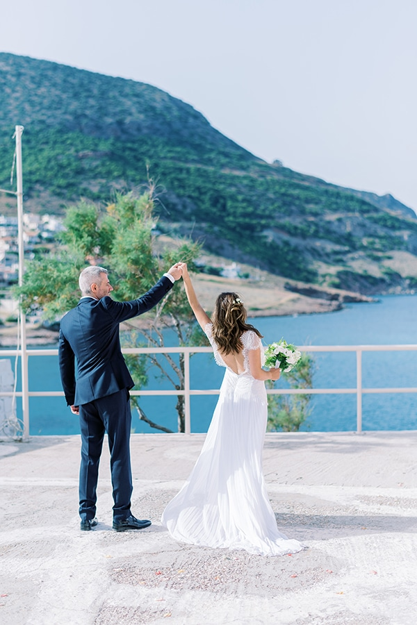 summer-micro-wedding-athens-white-hues_03