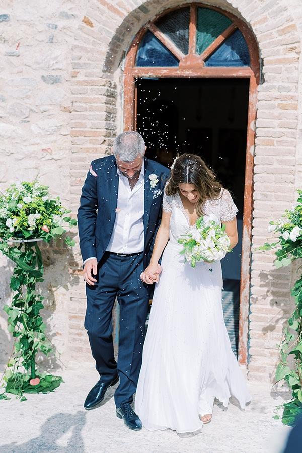 summer-micro-wedding-athens-white-hues_13