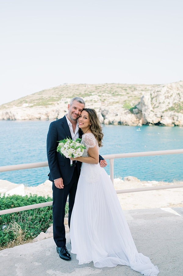 summer-micro-wedding-athens-white-hues_14