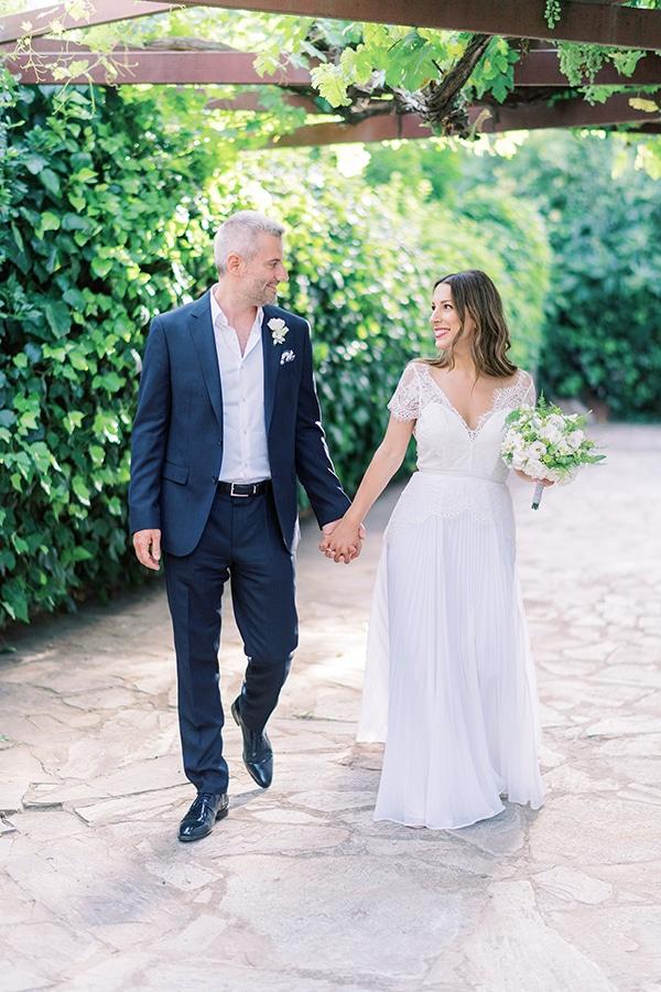summer-micro-wedding-athens-white-hues_17